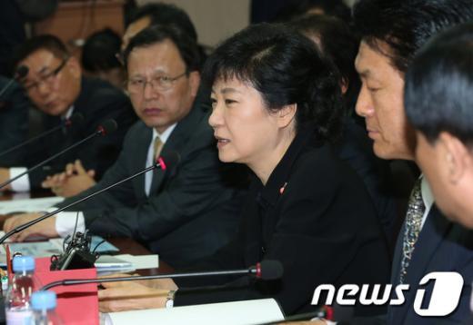 [사진]택시업계 고충 나누는 박근혜 후보