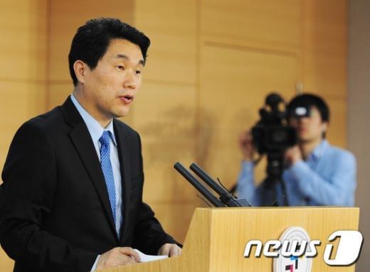 [사진]이주호 장관, 나로호 3차 발사 마무리 준비현황 브리핑
