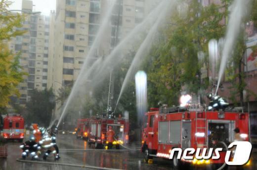 [사진]노원소방서, '빗속' 재난대비 훈련 실시