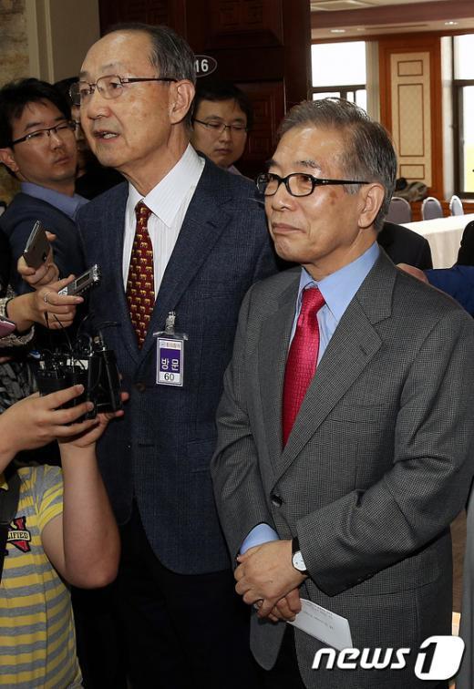 [사진]재야 원로, '단일화 압박'