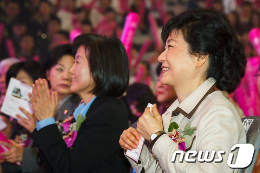[사진]박근혜-김미경 간호정책선포식 참석