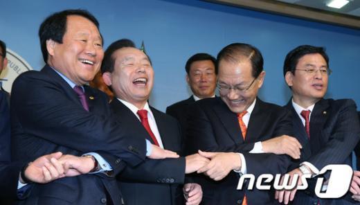 [사진]새누리당-선진통일당 '공식 합당선언'