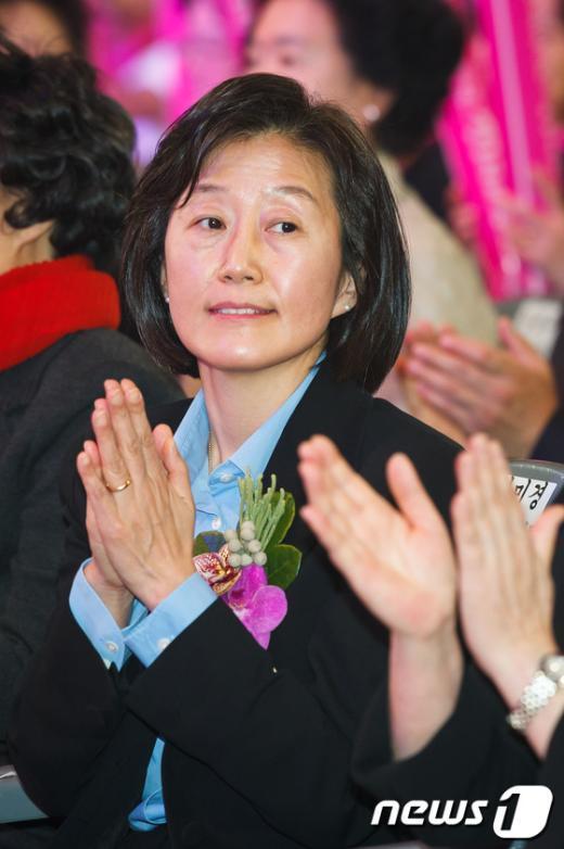 [사진]'2012 간호정책선포식' 참석한 김미경 교수