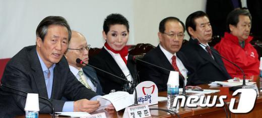[사진]모두발언하는 정몽준 선대위위원장
