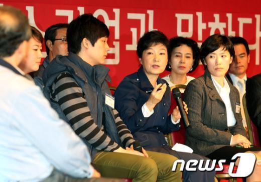 [사진]중소기업인들 만난 박근혜 후보