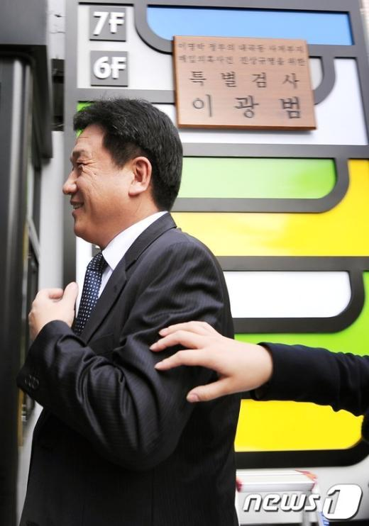 [사진]갈 길 바쁜 이광범 특검