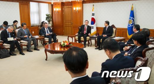 [사진]반기문 유엔 사무총장, 김황식 국무총리와 면담