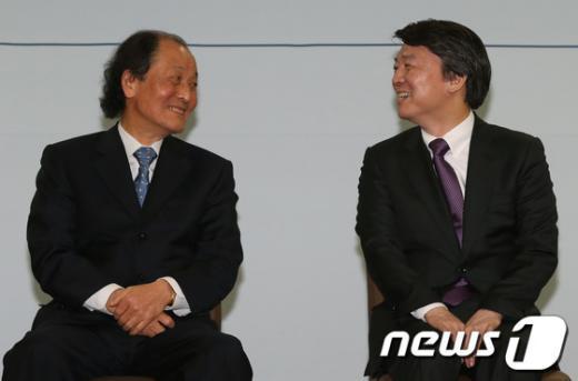 [사진]안철수 후보와 조정래 후원회장