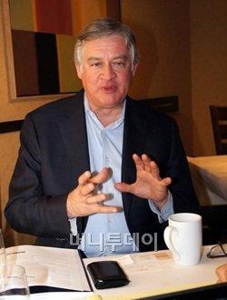 ↑ 리처드 대숴 스탠포드대 교수
