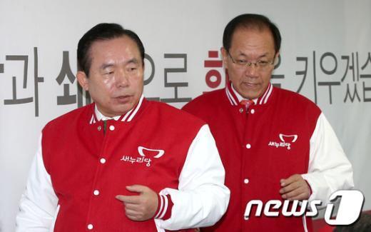 [사진]함께 회의 참석하는 황우여-이인제