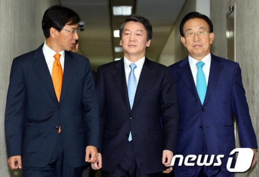 [사진]전국도지사협의회 참석하는 안철수 후보