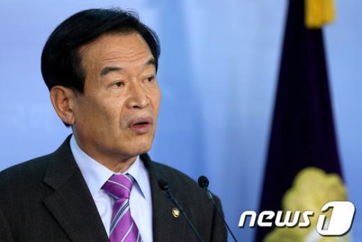 """[사진]서상기 정보위원장 """"NLL포기 발언 진위 사법적 판단 받겠다"""""""