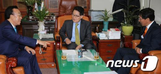 [사진]박지원 원내대표 찾은 전국시도지사협의회