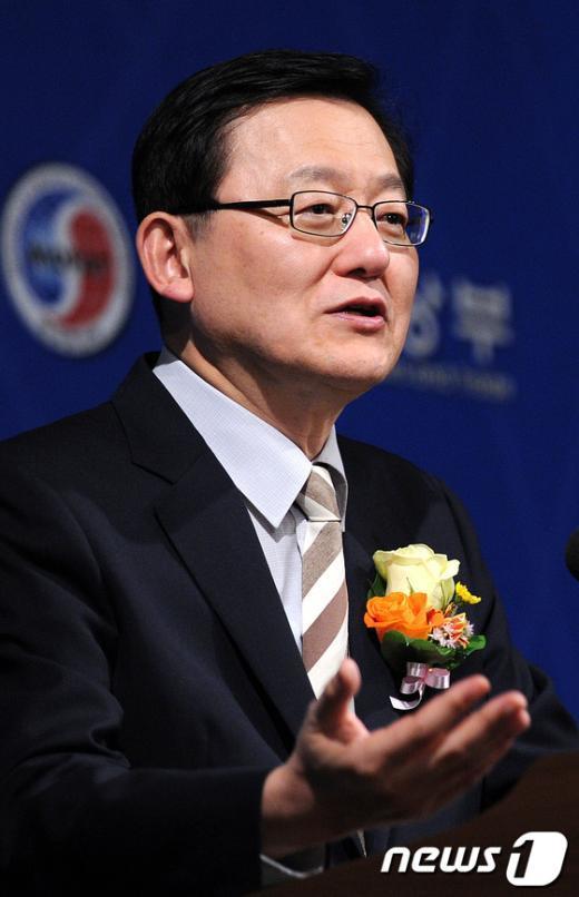 [사진]축사하는 홍석우 장관