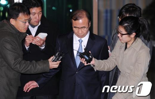 [사진]고개 떨군 한상대 검찰총장