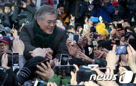 [사진]문재인 '민심 잡기'