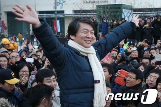 [사진]안양 찾은 안철수 전 후보