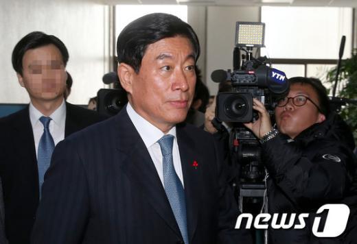 [사진]원세훈 국정원장, 국회 정보위 출석