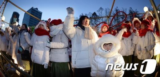 [사진]올네이션스 경배와 찬양, 크리스마스 거리 퍼레이드
