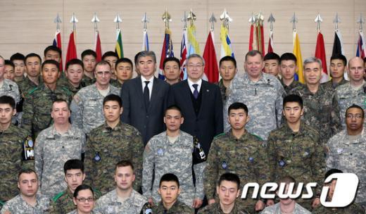 [사진]JSA방문한 김성환 장관