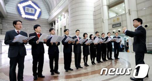 [사진]판사들이 여는 작은 음악회
