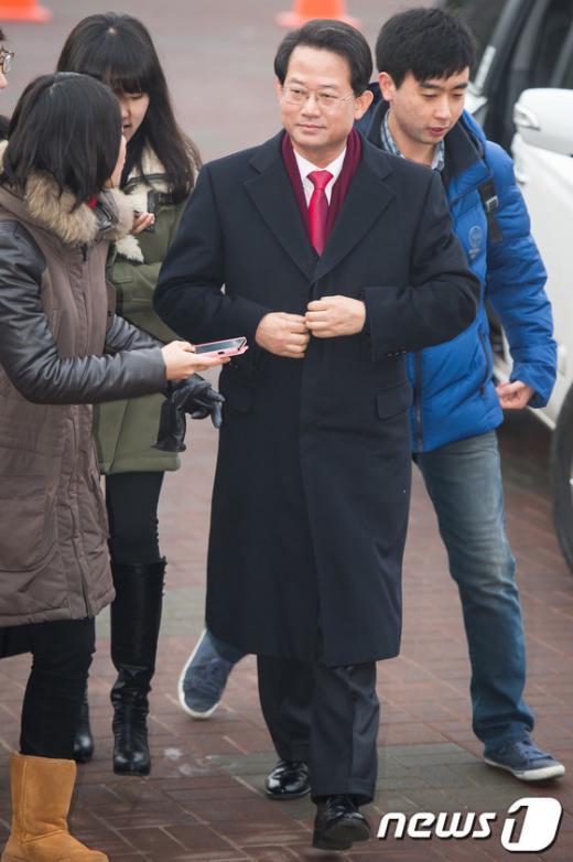 [사진]출근하는 류성걸 인수위 경제1분과 간사