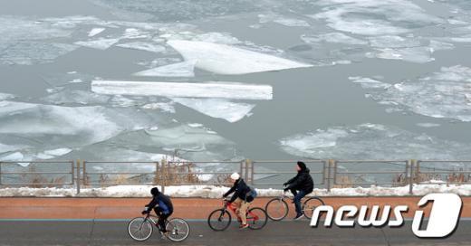 [사진]얼음 풀리는 포근한 주말