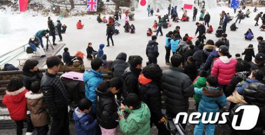 [사진]'한파 주춤' 포근한 주말 보내는 시민들