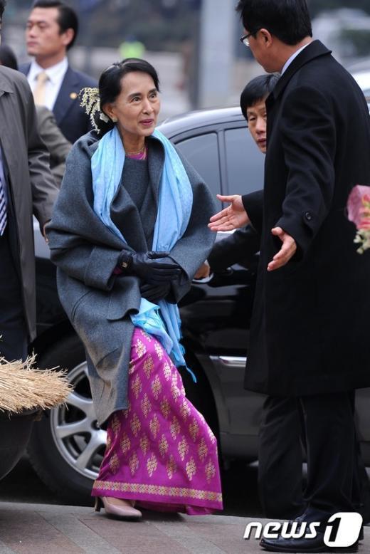 [사진]서울시 방문한 아웅산 수치 여사