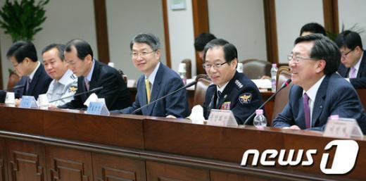 [사진]인사말하는 김기용 경찰청장