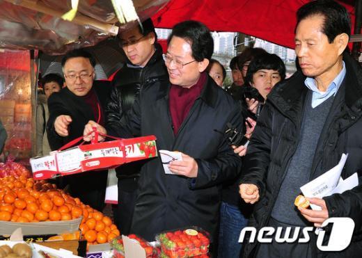 [사진]전통시장에 간 대통령직 인수위