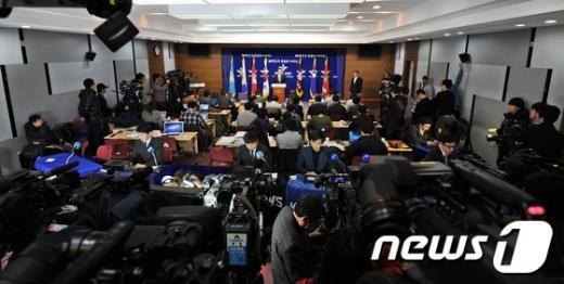 서울 용산구 국방부에서 김민석 대변인이 북한 핵실험 관련 브리핑을 하고 있다.  News1 허경 기자
