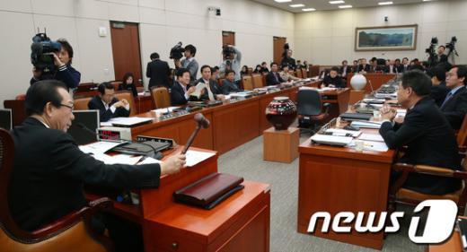 """[사진]국회 외통위, """"北 핵실험 규탄 결의"""""""