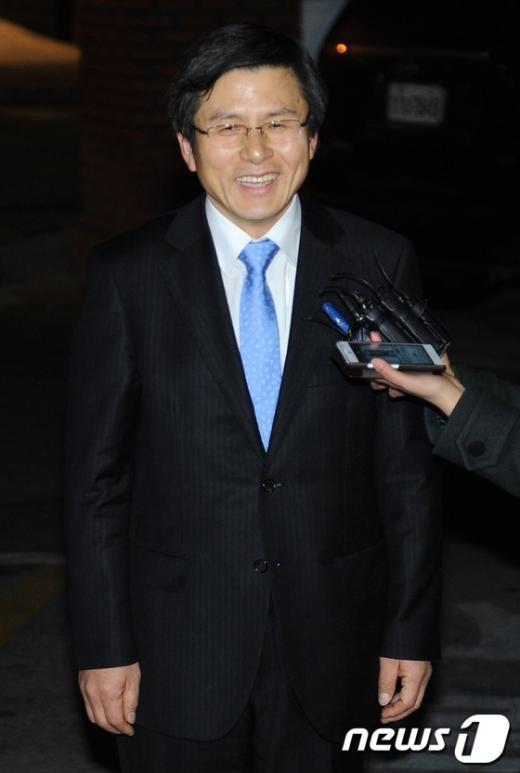 [사진]환하게 웃는 황교안 법무부 장관 내정자