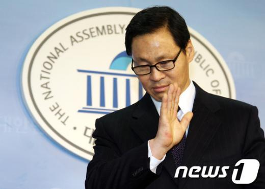 ▲4일 국회에서 사퇴 의사를 밝힌 김종훈 미래부 장관 후보자ⓒ뉴스1