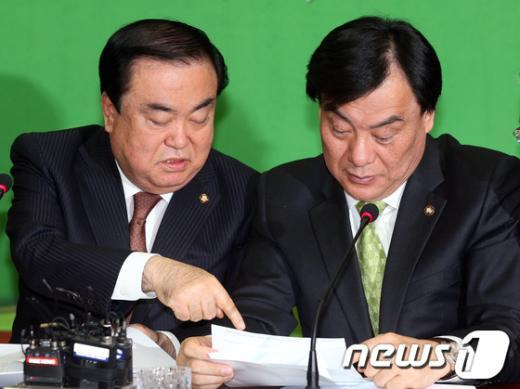 [사진]민주통합당 비상대책위원회의