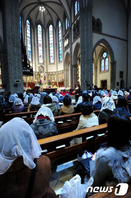 [사진]명동성당, 새 교황 선출 기원 미사