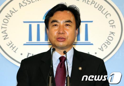 윤관석 민주통합당 원내대변인 2012.9.26/뉴스1  News1 이종덕 기자