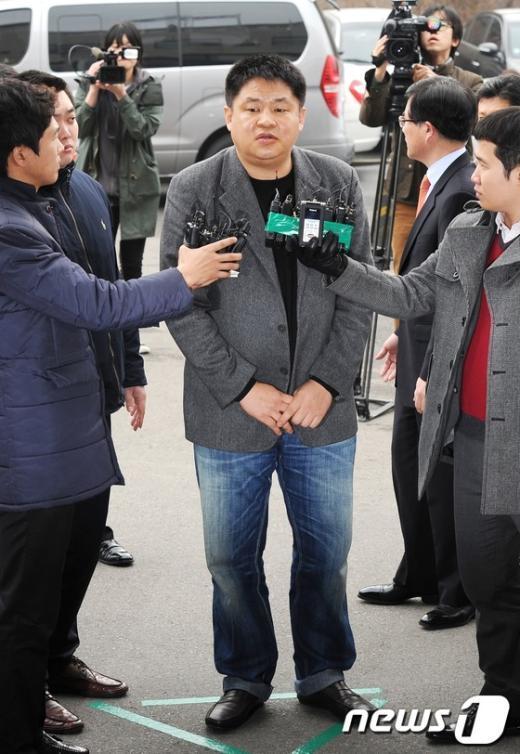 """[사진]강동희 감독,""""검찰에서 밝히겠다"""""""