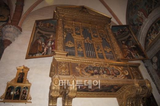 ↑ 두오모성당 안에 있는 파이프 오르간. ⓒ 사진=송원진