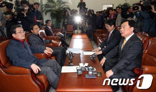 [사진]여야, 정부조직법 개편안 막판 협상
