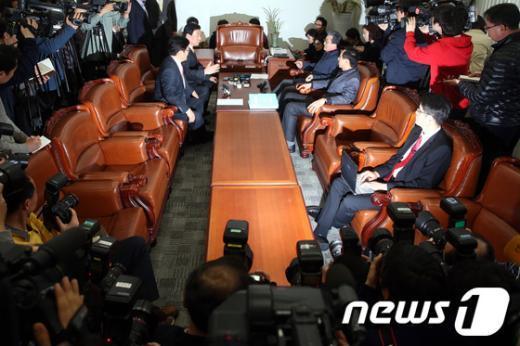 [사진]여-야, 정부조직법 개편안 막판 협상