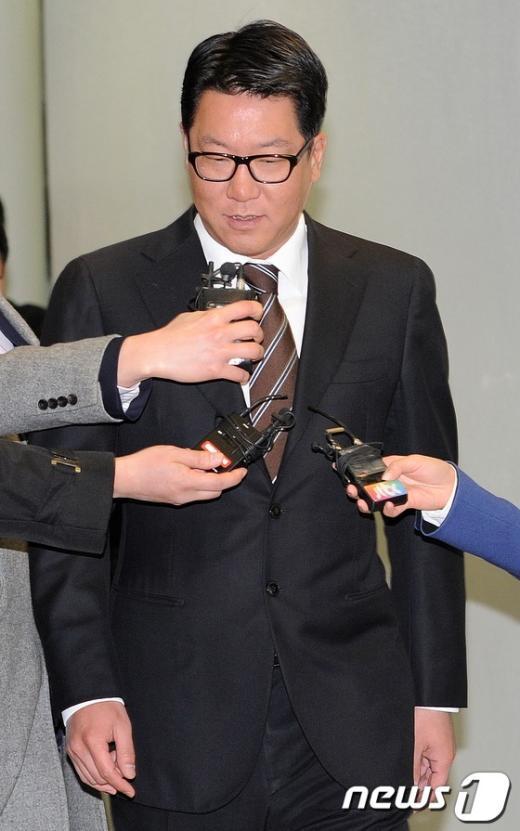 [사진]고개숙인 정지선 회장