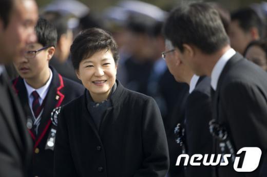 [사진]朴대통령, 천안함 46용사 3주기 추모식 참석