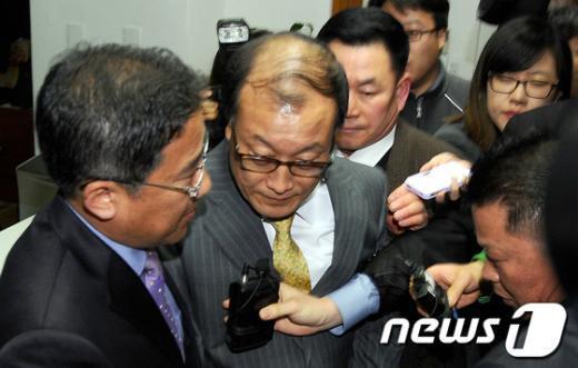 [사진]김재철 사장, 힘겨운 이사회 출석