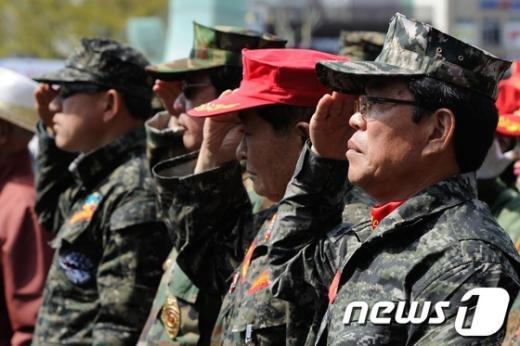 """[사진]""""천안함 46용사 영원히 잊지 않겠습니다"""""""