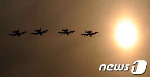 [사진]평택 상공 비행하는 美 A-10 폭격기