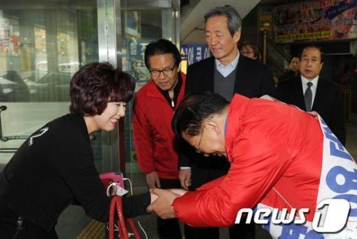 [사진]허준영 후보 지원 나선 정몽준 의원