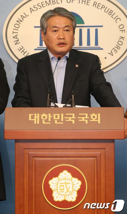 [사진]김용익 의원, 진주의료원 정상화 위해 단식농성 돌입