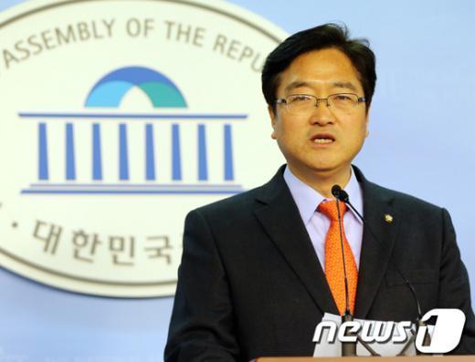 우원식 민주통합당 원내수석부대표. 2013.4.4/뉴스1  News1 송원영 기자